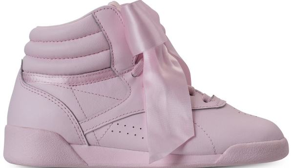 https://m.finishline.com/store/product/girls-toddler-reebok-freestyle-hi-satin-bow-casual-shoes/prod2770466?styleId=CN2027&colorId=PNK